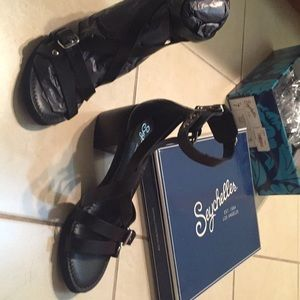 Seychelles size 7 black Aquarius strappy sandal
